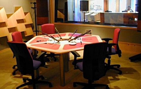 studioradio.jpg